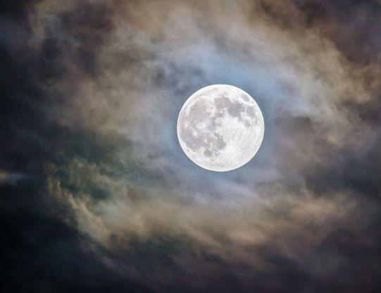 plein-lune.jpg